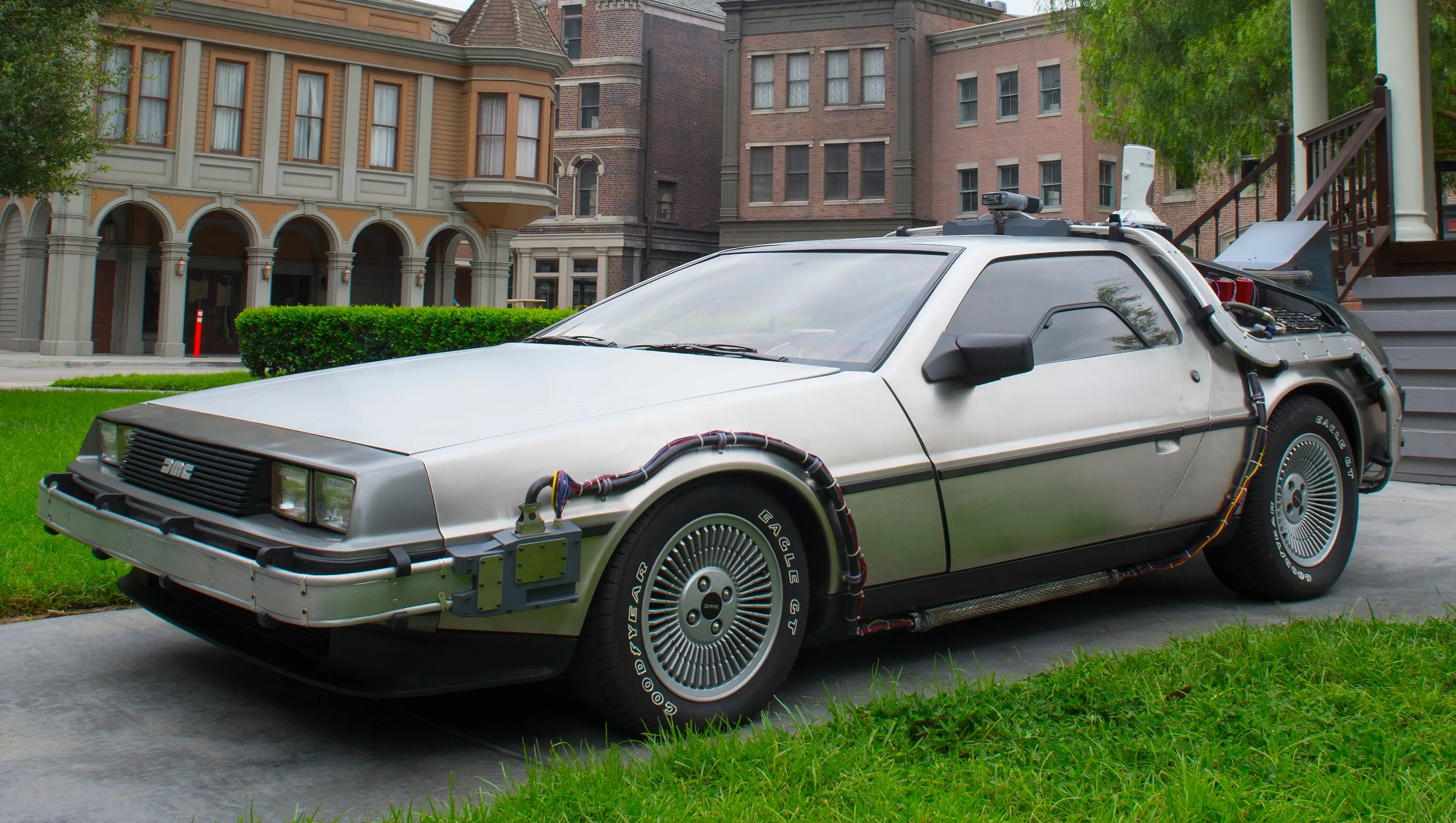 Delorean Sports Cars Going Back Into Production
