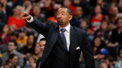 Juwan Howard gets shot to lead Heat – and his son