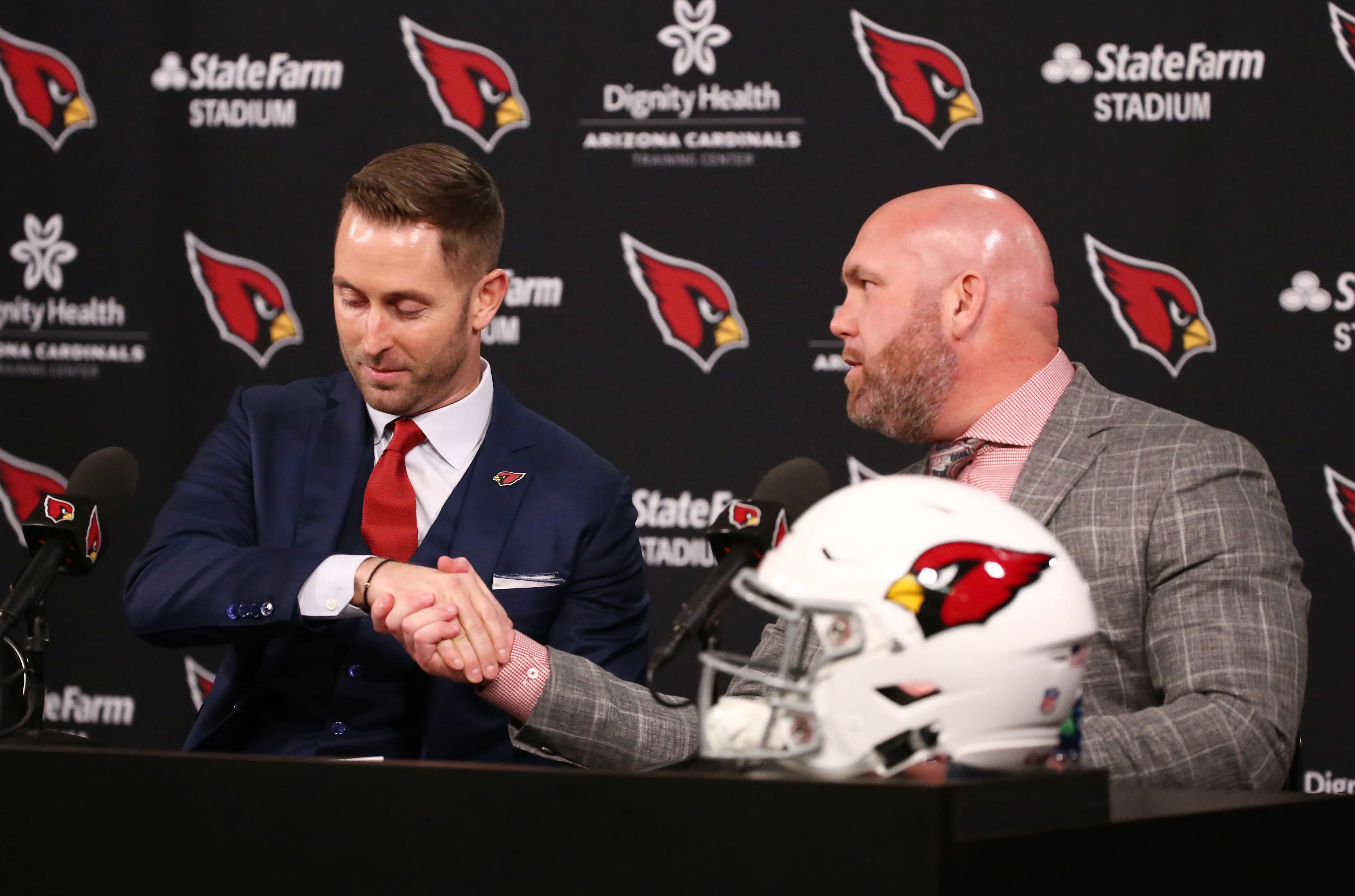 Cardinals coach Kingsbury still searching for offensive ...
