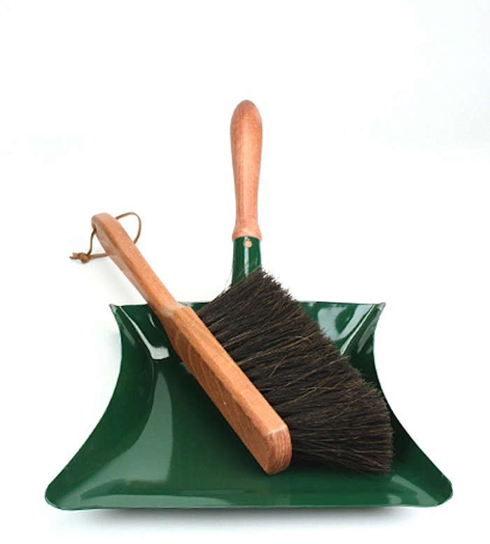 Garden Dust Pan And Brush Gardenista
