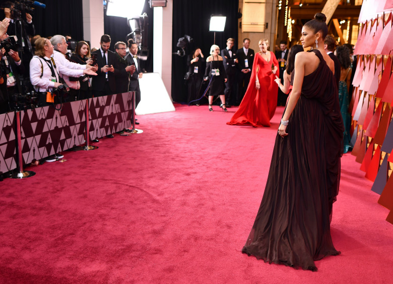 Genevieve Valentine   Red Carpet Rundown  The 2018 Oscars As the broadcast  and the photo backdrop  and the ad bumpers  kept  reminding us  this was the 90th anniversary of the Oscars  I actually  watched all those