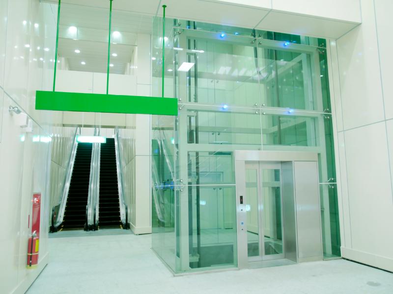 Vestibule Glass New York City Shower Doors