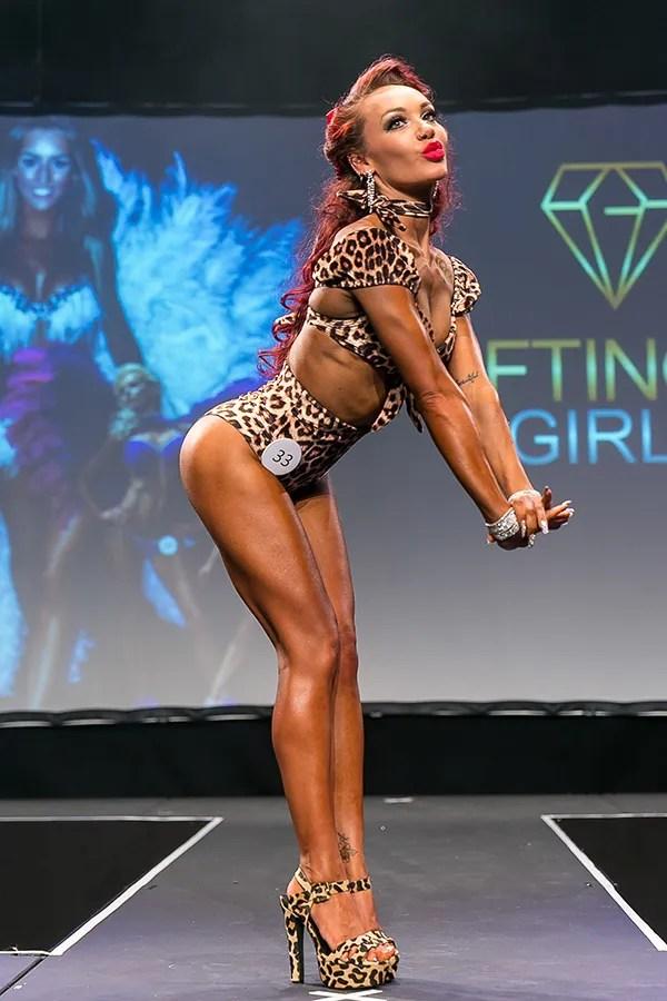 Pin Up Model - Glifting Girls UK