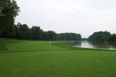 GolfTheUnitedStates com  Woodmore CC    The Country Club at Woodmore     Notice the water bordering the 15th green