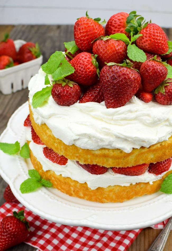 Vanilla And Strawberry Cake
