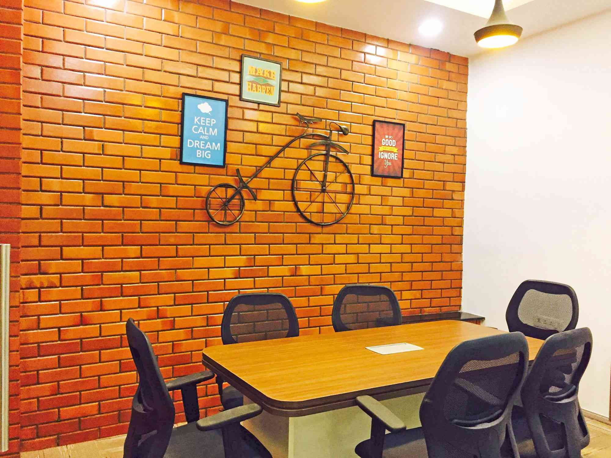 6-seater-meeting-room-compressed
