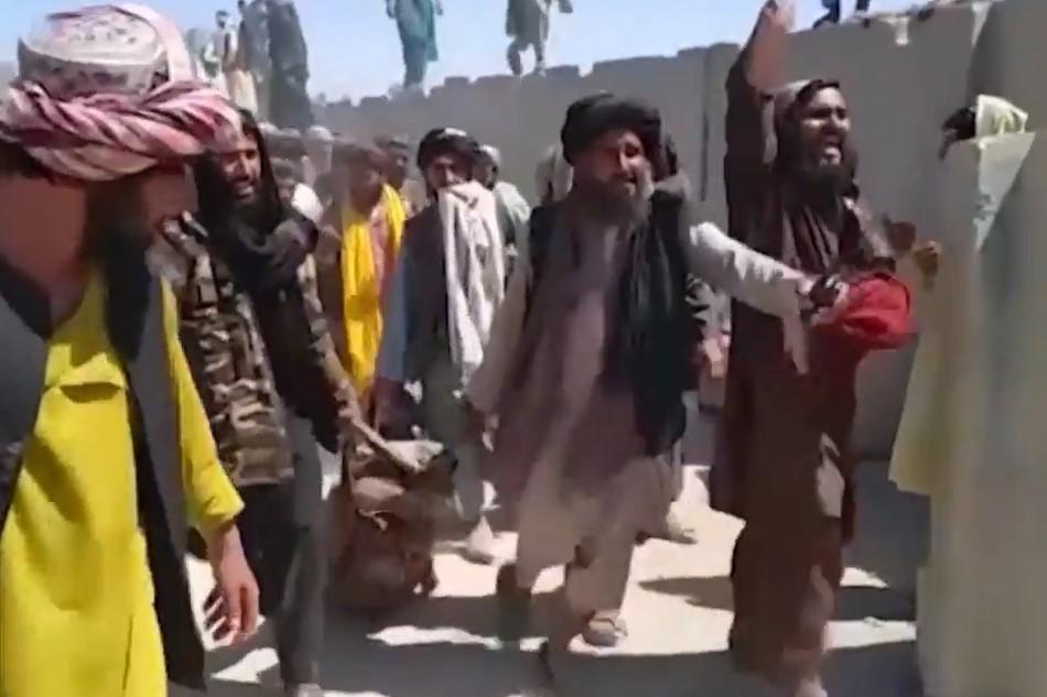 Afegãos nas ruas