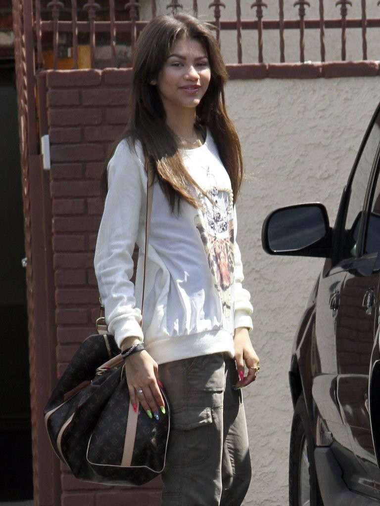 Zendaya Coleman At Dwts Studio In Hollywood 01 Gotceleb