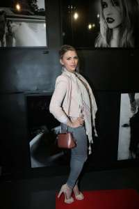Kelly Vedovelli: Stefanie Renomas Eat My Art Exhibition Launch -05 |  GotCeleb