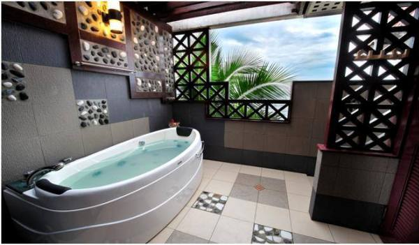 Paya Beach Resort Deluxe Suite Bathroom