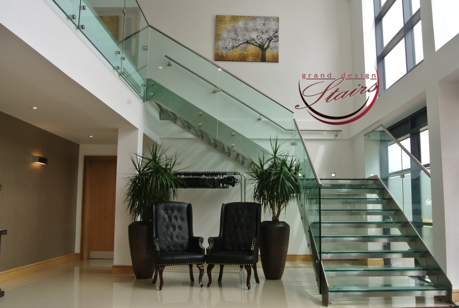 Glass Stairs Glass Steps Structural Glass Railings   Glass And Stainless Steel Stair Railing   Custom Glass   Architectural Glass   Balcony   Modern   Metal Glass