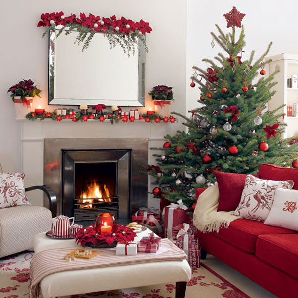 30 Cosy Christmas Living Room Decorating Ideas   Gravetics Advertisement