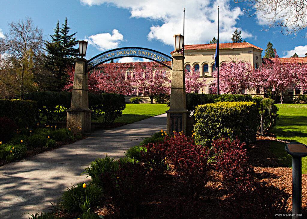 University Oregon Housing Rates