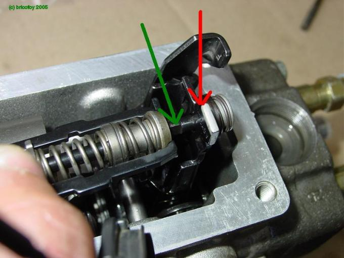 VWDieselParts com    View topic   VE injector pump assemby pictures  Detail shot of the attachment of the governor spring assembly on the  governor lever  the flat  green  fits into the slot grove in the lever   red  then gets