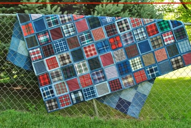 Log Floral Cabin Pattern Quilt