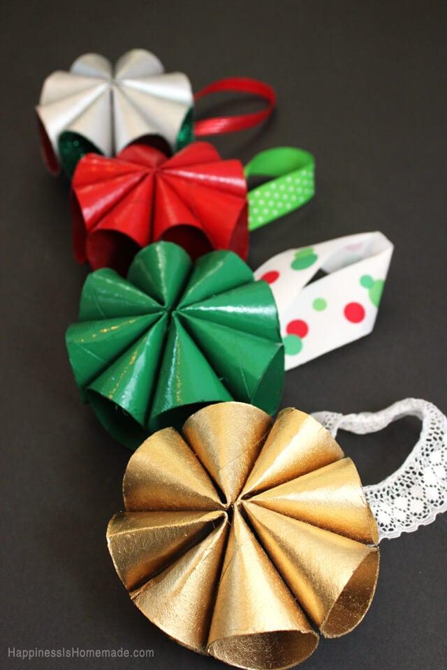 Mid-Century Inspired Modern Mini Wreaths