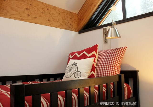 Bunk Bed Detail at the 2014 HGTV Dream Home