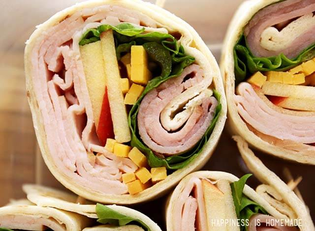 Gourmet Turkey Pinwheel Rolls with Apple Cheddar and Hillshire Farm Naturals Lunchmeat