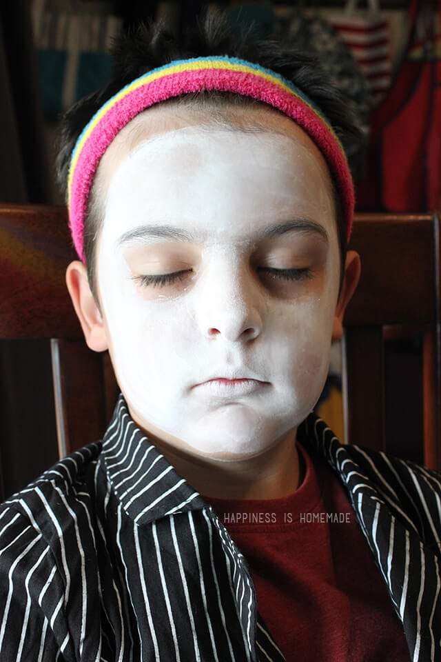 Tulip Face Paint Makeup