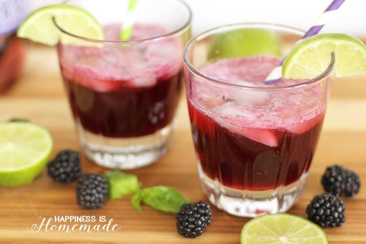 Fresh Blackberry and Lime Springtime Cocktail Recipe