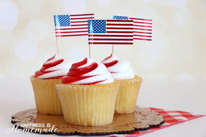 Cute 4th of July Cupcakes with Metallic Foil Flags