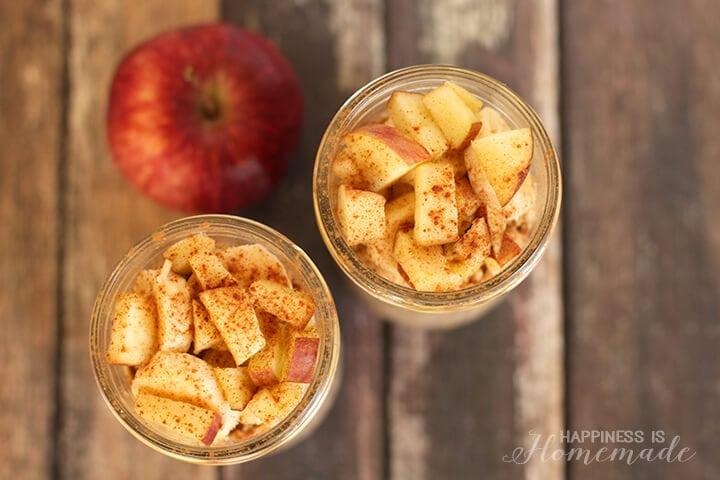 Overnight Apple CInnamon Chia Oats for Breakfast on the Go