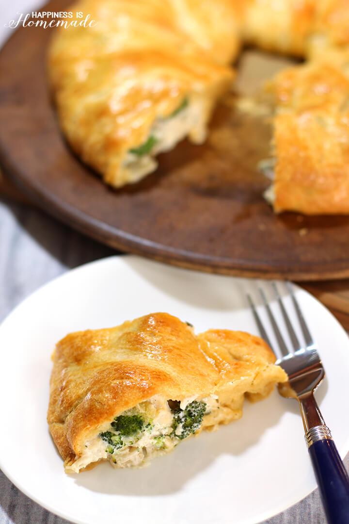 Chicken & Broccoli Crescent Roll Ring