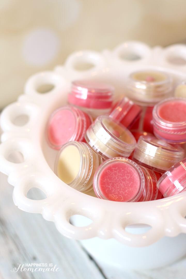 Homemade Lip Balm Gloss is a Great DIY Holiday Gift Idea