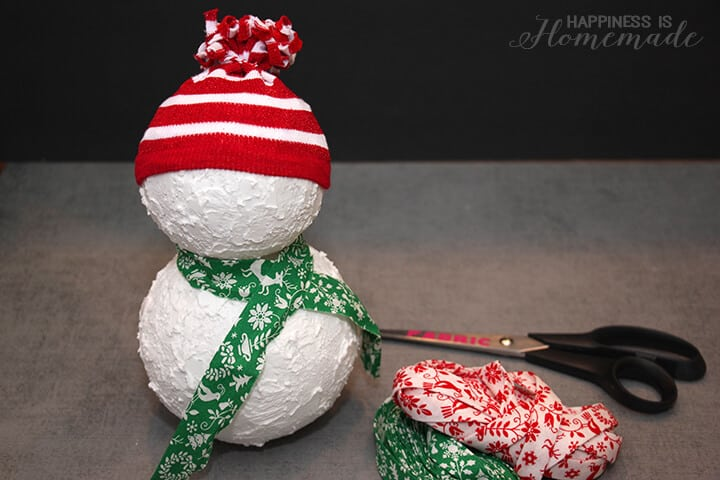 How to Make a Snowman from Styrofoam Balls