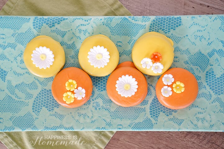 Oreo Flower Cookies for Spring