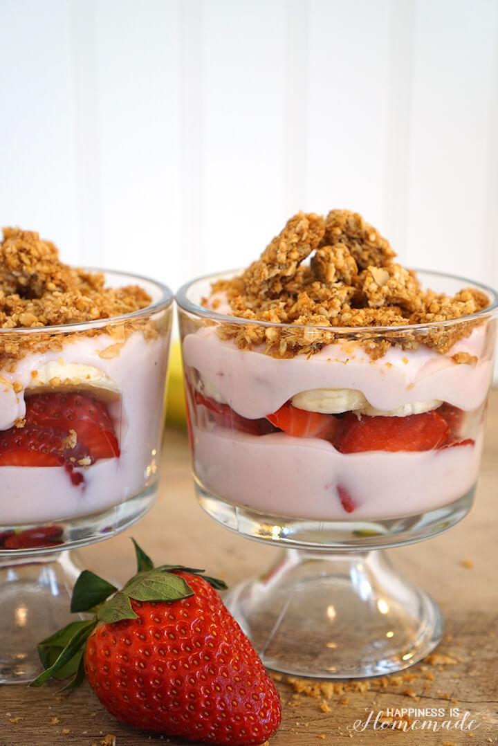 Strawberry Banana Granola Yogurt Parfait