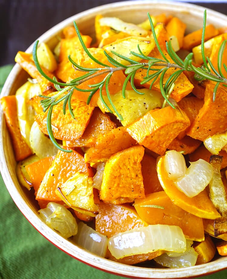 roasted-squash-sweet-potatoes-and-apples-for-thanksgiving