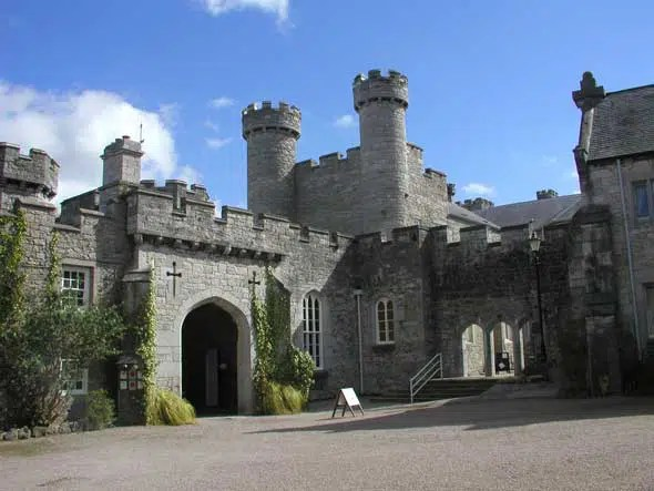 Bodelwyddan Castle Hotel Rhyl Wales Hauntedrooms Co Uk