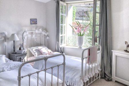 French Farmhouse Living Room Interior Design Ideas Html on french luxury interior design, french country home decor ideas, french cafe interior design ideas,