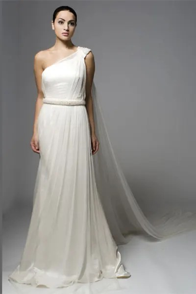 Bridal sample sales: Designer gowns at dream prices | HELLO!