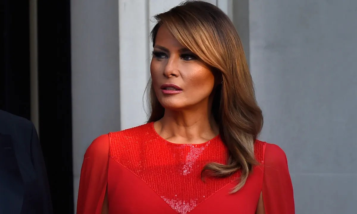 Melania Trump turns up the glam in Givenchy at Winfield ...