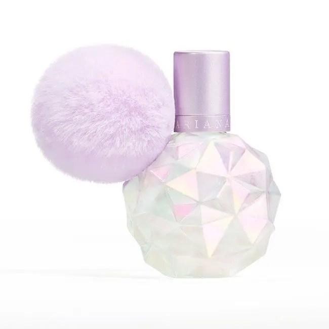 Ariana Grande announces heavenly new scent | HELLO!
