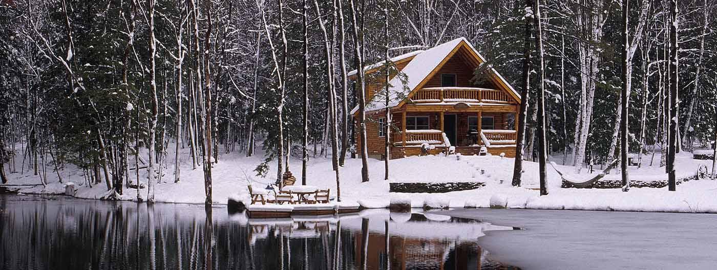 Homes Small Log Cabin