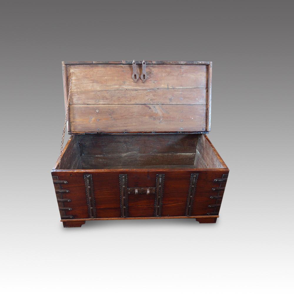Antique Merchants Chest Hingstons Antiques Dealers