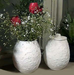 HOME DZINE Craft Ideas   Make these easy paper mache pots Ever since I was a tiny tot I have enjoyed making paper mache items  Using paper  mache to make your home decor is an easy  fun and affordable way to add a
