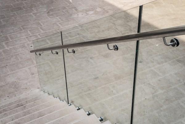 2020 Glass Deck Stair Railing Costs Per Foot Homeadvisor | Frameless Glass Stair Railing | Metal | Seamless Glass | Handrail | Framed Glass | Office