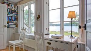 Cottage Of The Week: Sweden Home Bunch Interior Design Ideas