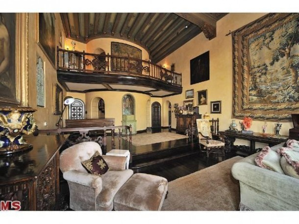 Kate Perry's Hollywood Hills digs are finally 'sale pending'