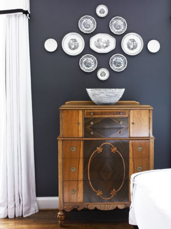 How to Decorate with Plates on a Wall Black and white plate wall