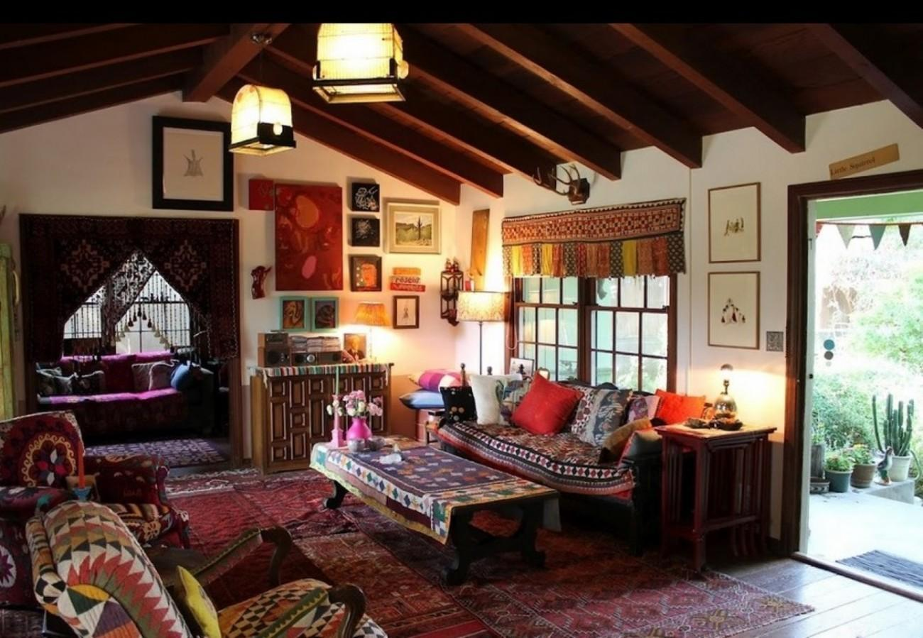 Tips To Design A Bohemian Interior     Home Tips The Bohemian interior design style is one that easily catches your  attention and that many will end up faced with a special love attached to  the look