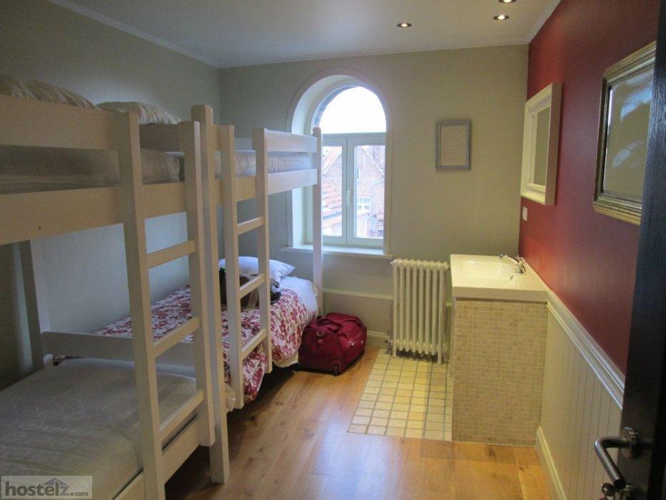 Hostel Lybeer Bruges Bruges Belgium Reviews Hostelz Com