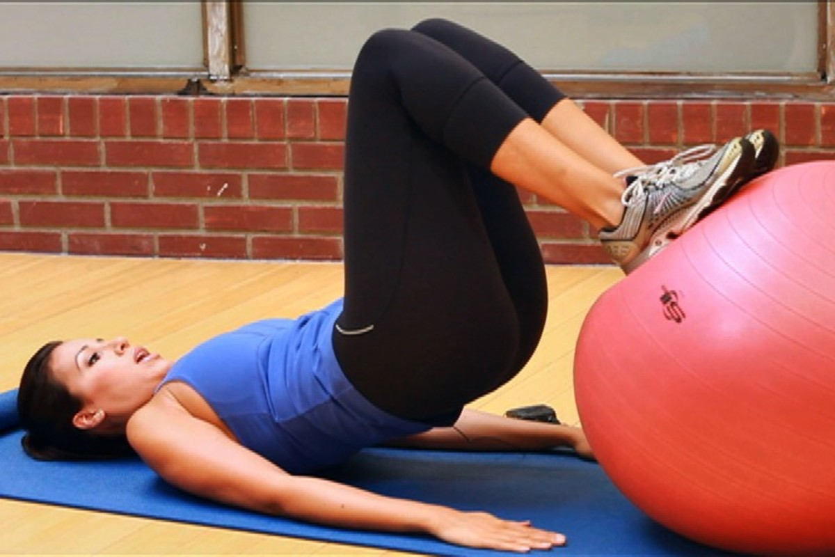 How to Do Pelvic Floor Exercises for Post-Baby Workout ...