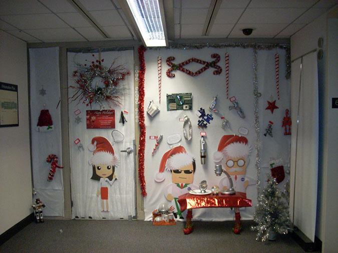 Holiday Door Decorating Contest 2011