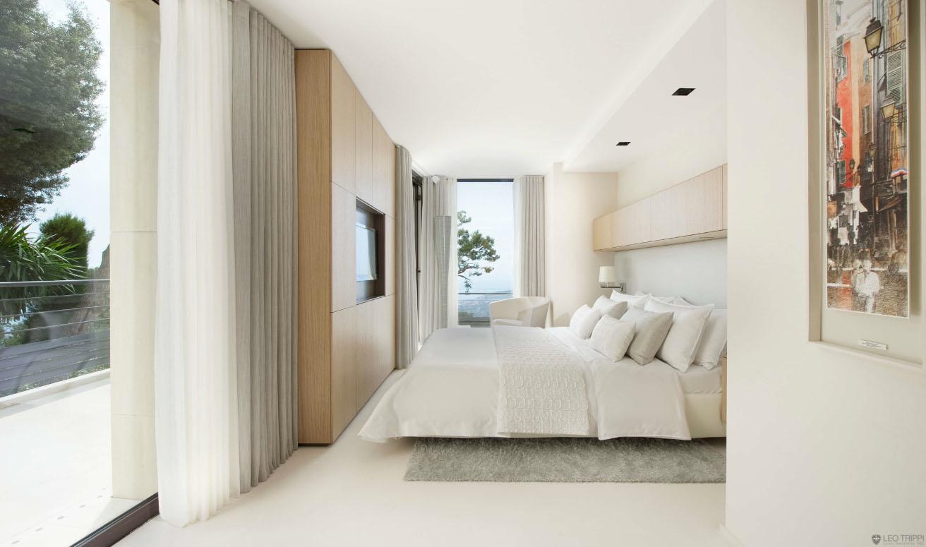 Luxury Contemporary Villa In The French Riviera