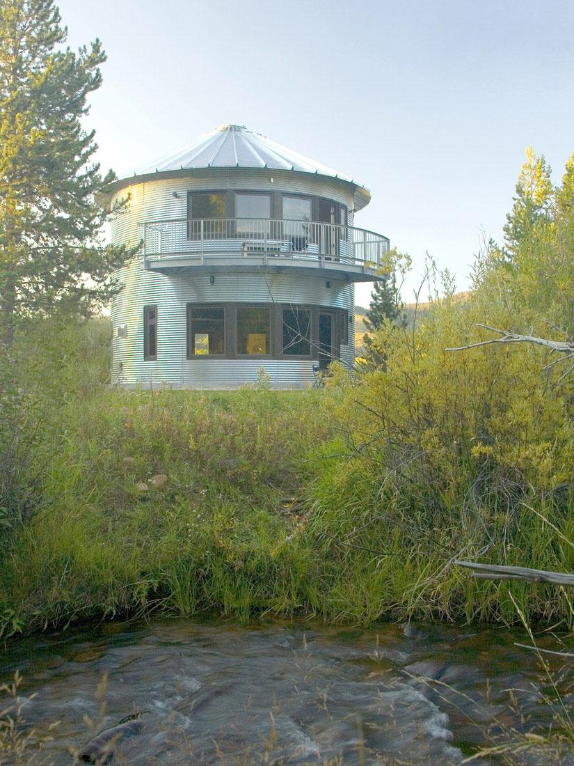 Build An Inexpensive Home Using Grain Silos Idesignarch
